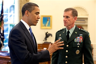 WHITE HOUSE MEETING - President Barack Obama meets with Army Lt. Gen. Stanley A. McChrystal, in the Oval Office at the White House, May 19, 2009. Defense Secretary Robert M. Gates recommended that the president nominate McChrystal as the new commander of U.S. and NATO forces in Afghanistan. White House photo by Pete Souza